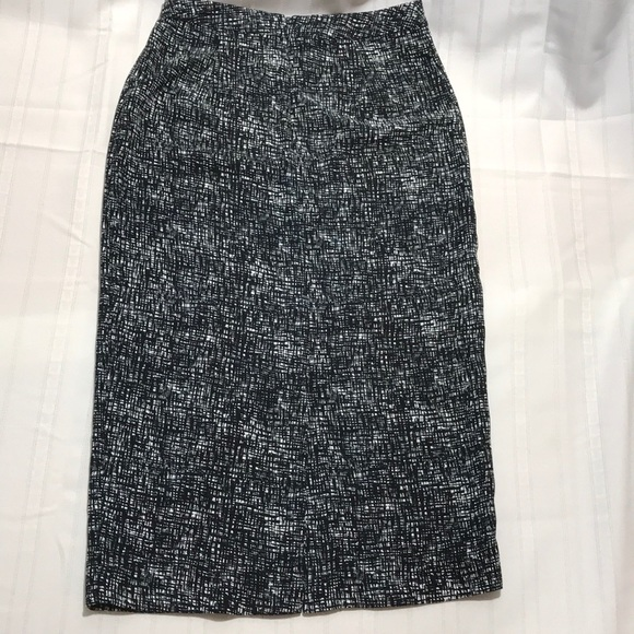 a5a6165433 WhoWhatWear Skirts | Black White Criss Cross Skirt Size 6 | Poshmark